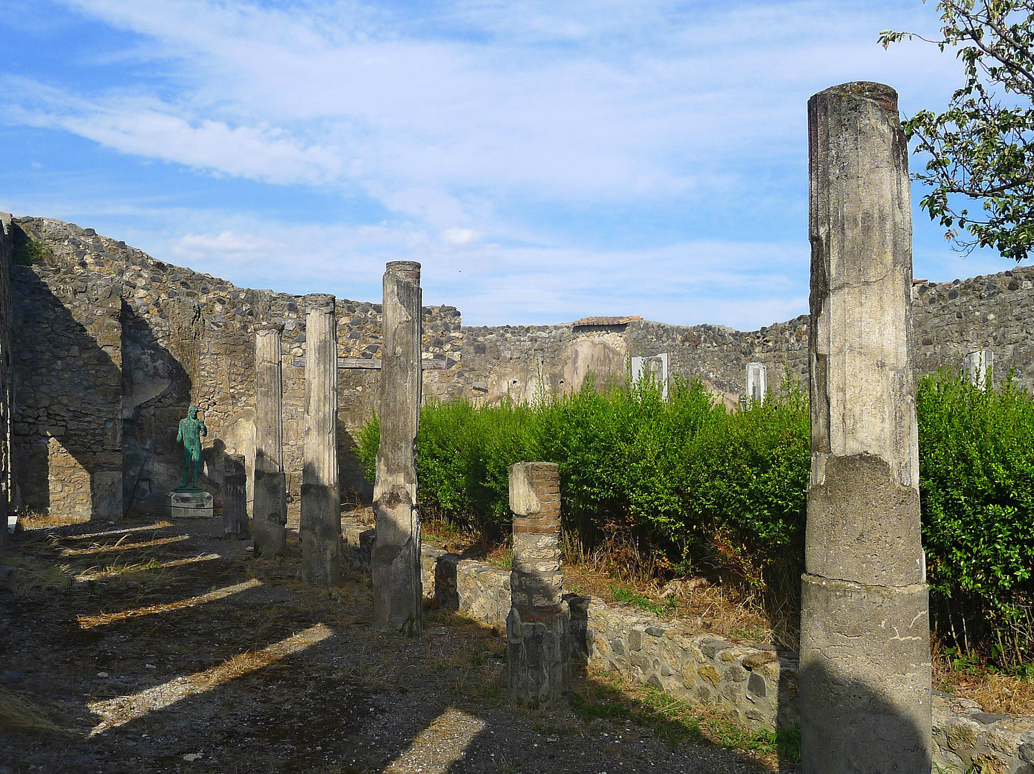 LocalWonders Travel Group Tours to Italy - Fun Facts Pompeii